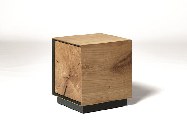 dryad hocker eiche massiv mit t r m bel waeber webshop. Black Bedroom Furniture Sets. Home Design Ideas