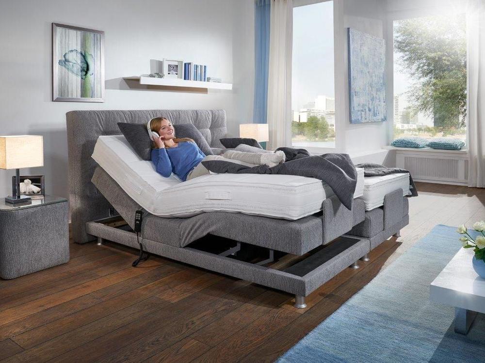 boxspring bett modena stoff grau mit motor m bel waeber. Black Bedroom Furniture Sets. Home Design Ideas